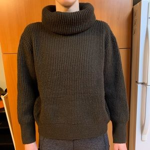 Shopkeepers Cottage Sweater
